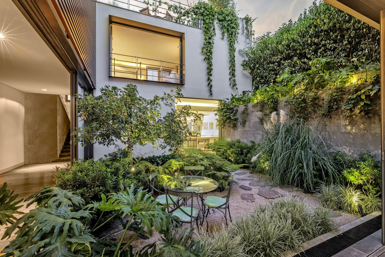 Stunning central courtyard of CSF House in Ciudad de México, Mexico
