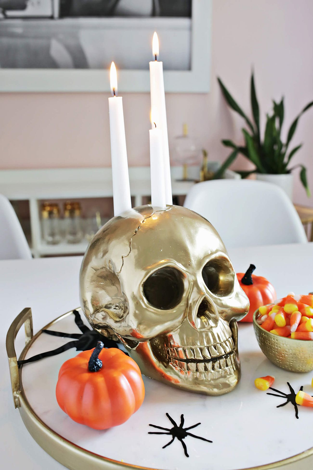 A Halloween table centerpiece that your guests can't stop talking about