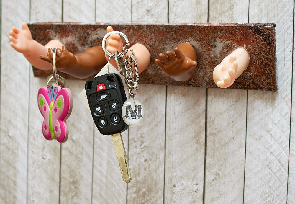 10 Nifty DIY Key Holders for a More Organized Home a04a80382