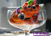DIY-mini-pumpkin-monsters-are-both-fun-and-great-for-decorating-Halloween-table-217x155