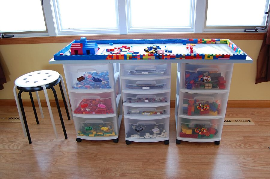 DIY-table-crafted-using-plastic-boxes-and-Lego-blocks