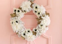 Exquisite-white-and-gold-DIY-fall-wreath-217x155