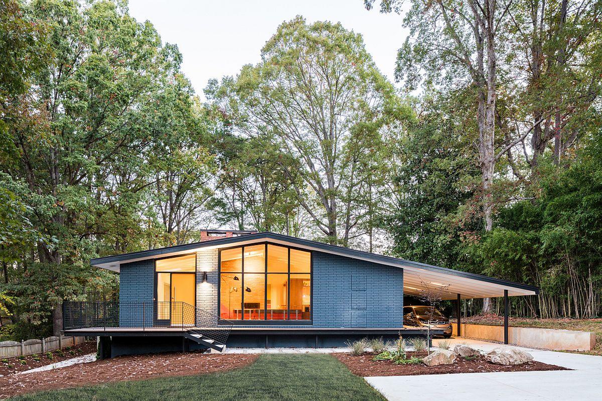 Extended Roof Acts Carport House Mid Century Modern Recreation Ocotea Renovation