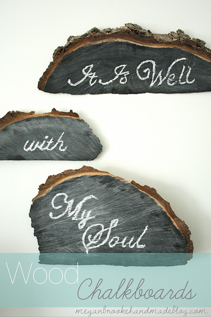 Fabulous wood chalkboards crafted using tree stumps