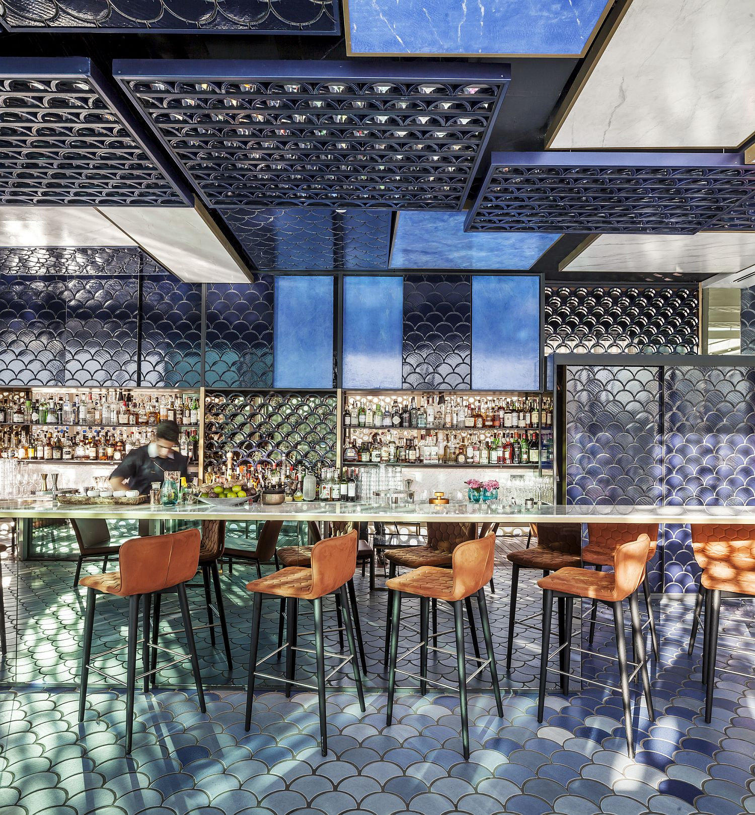 Hanging bar and reflective elements create a beautiful and breezy atmosphere