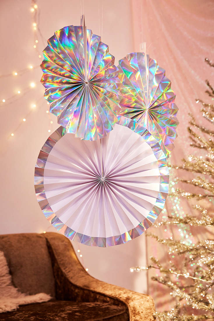 Holographic holiday decorations