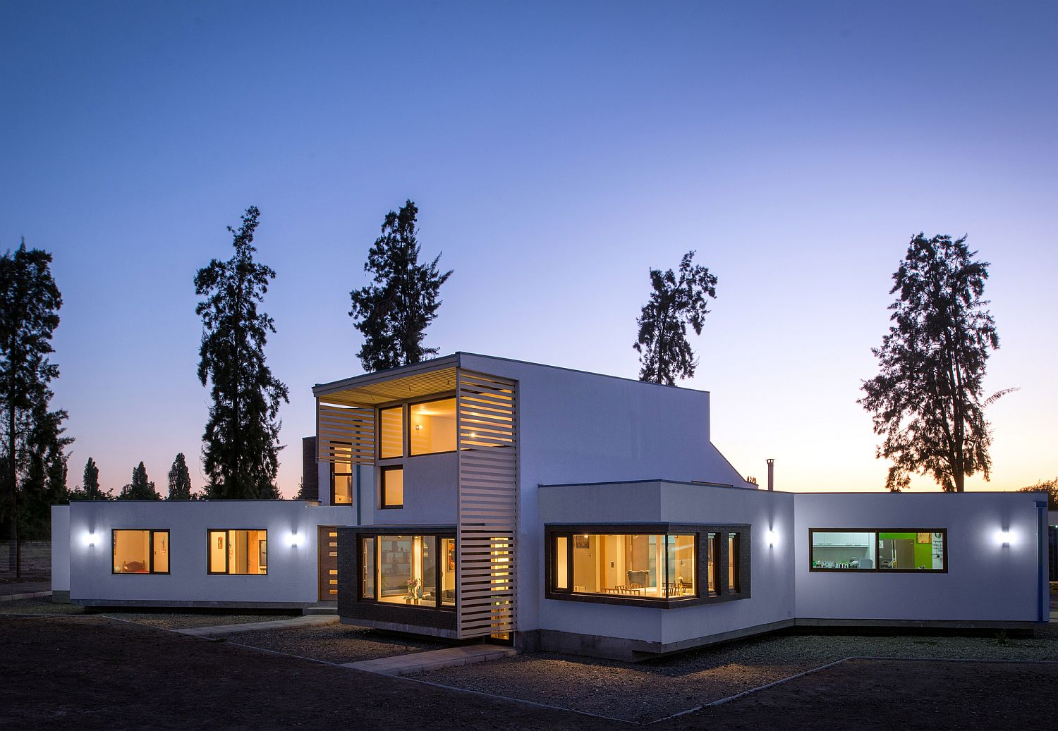 Hyper-insulated structure of contemporary home in Chile