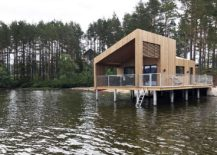 Modern-lakeside-cabin-on-stilts-offer-unabated-views-of-the-landscape-217x155