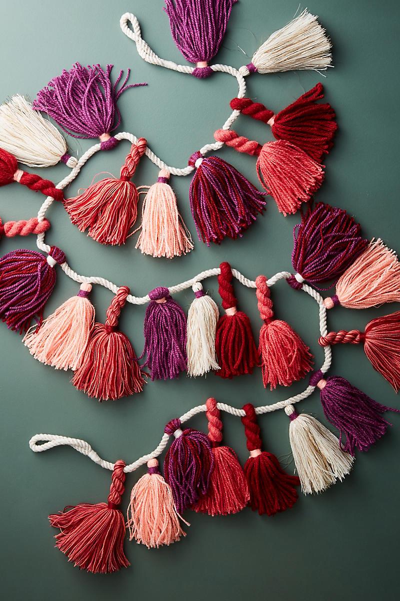 Rosy tassel garland