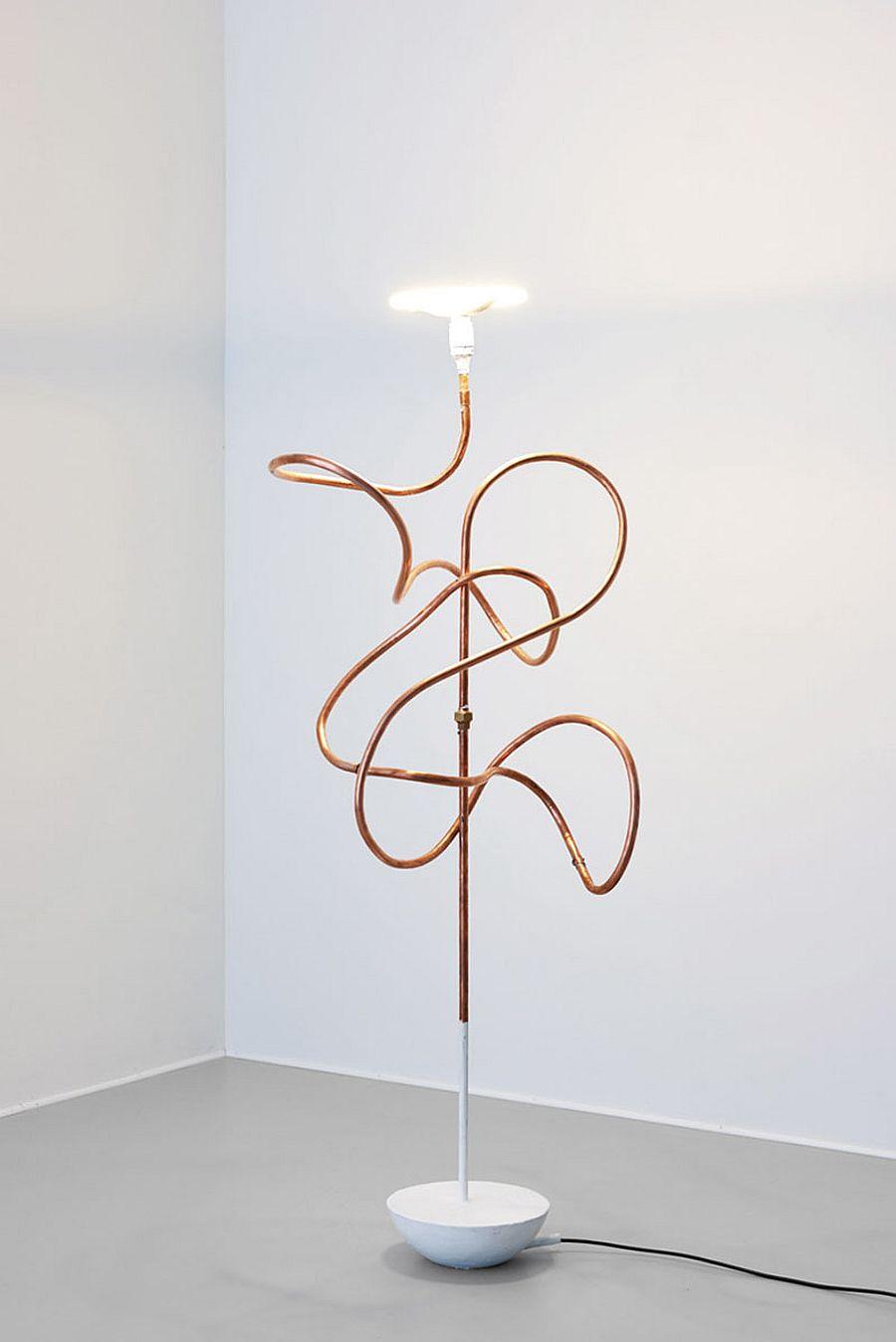Sculptural-Bent-Copper-Tubing-Light-DIY-is-simply-stunning