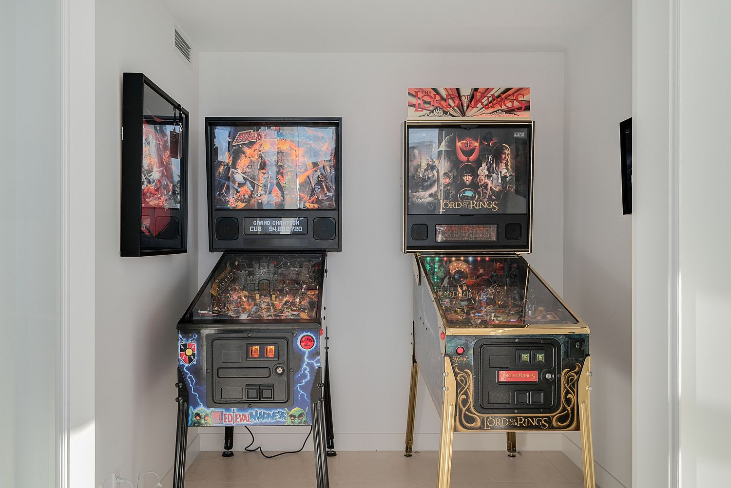Small den in Vancouver Loft with pinball machines