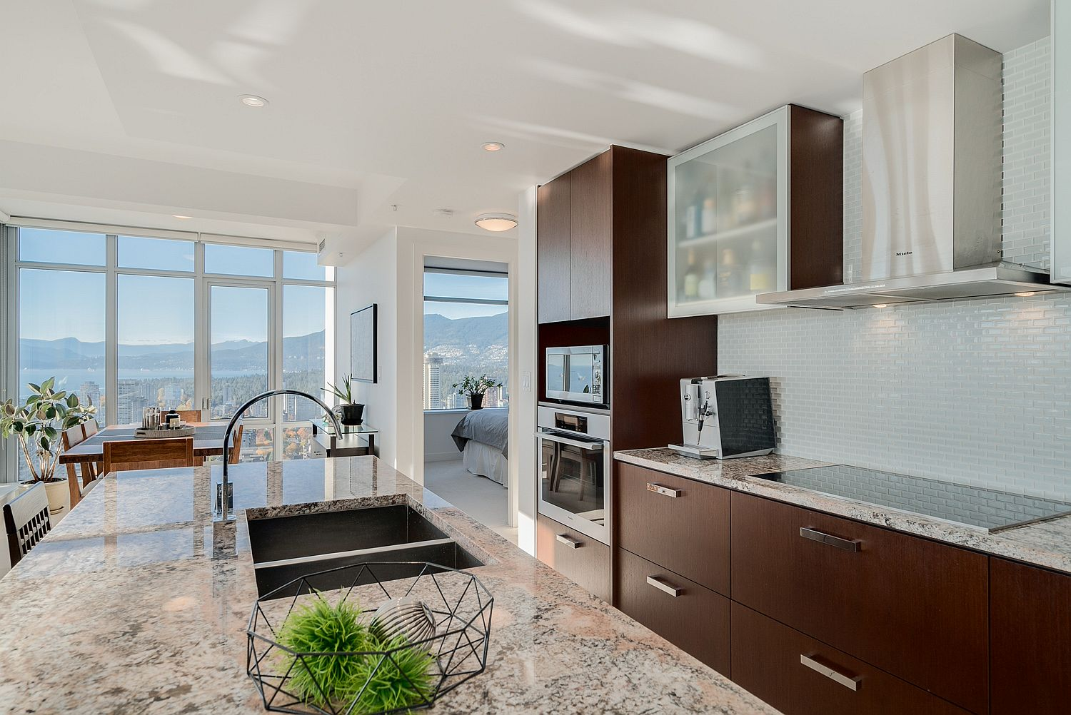 Dreamy Sunsets Ocean Views And Urban Luxury 36th Floor Vancouver Condo Has It All