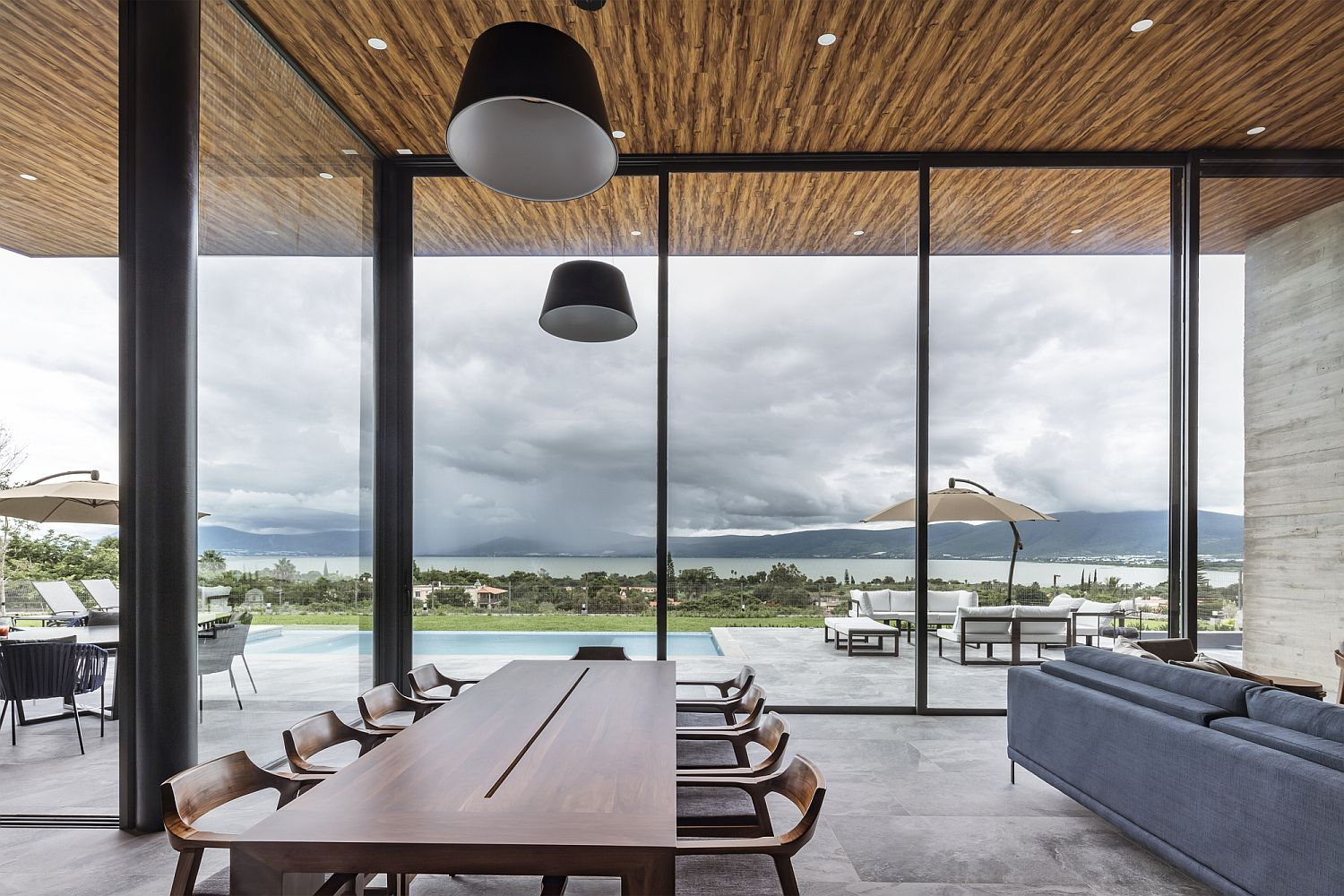 Stunning lake views steal the show in this dining space