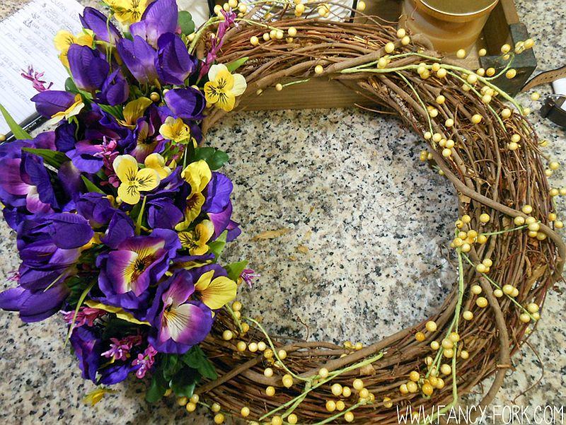 Absolutely gorgeous DIY Wildflower Wreath