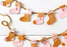 Advent-Stocking-DIY-Garland-for-Christmas-217x155