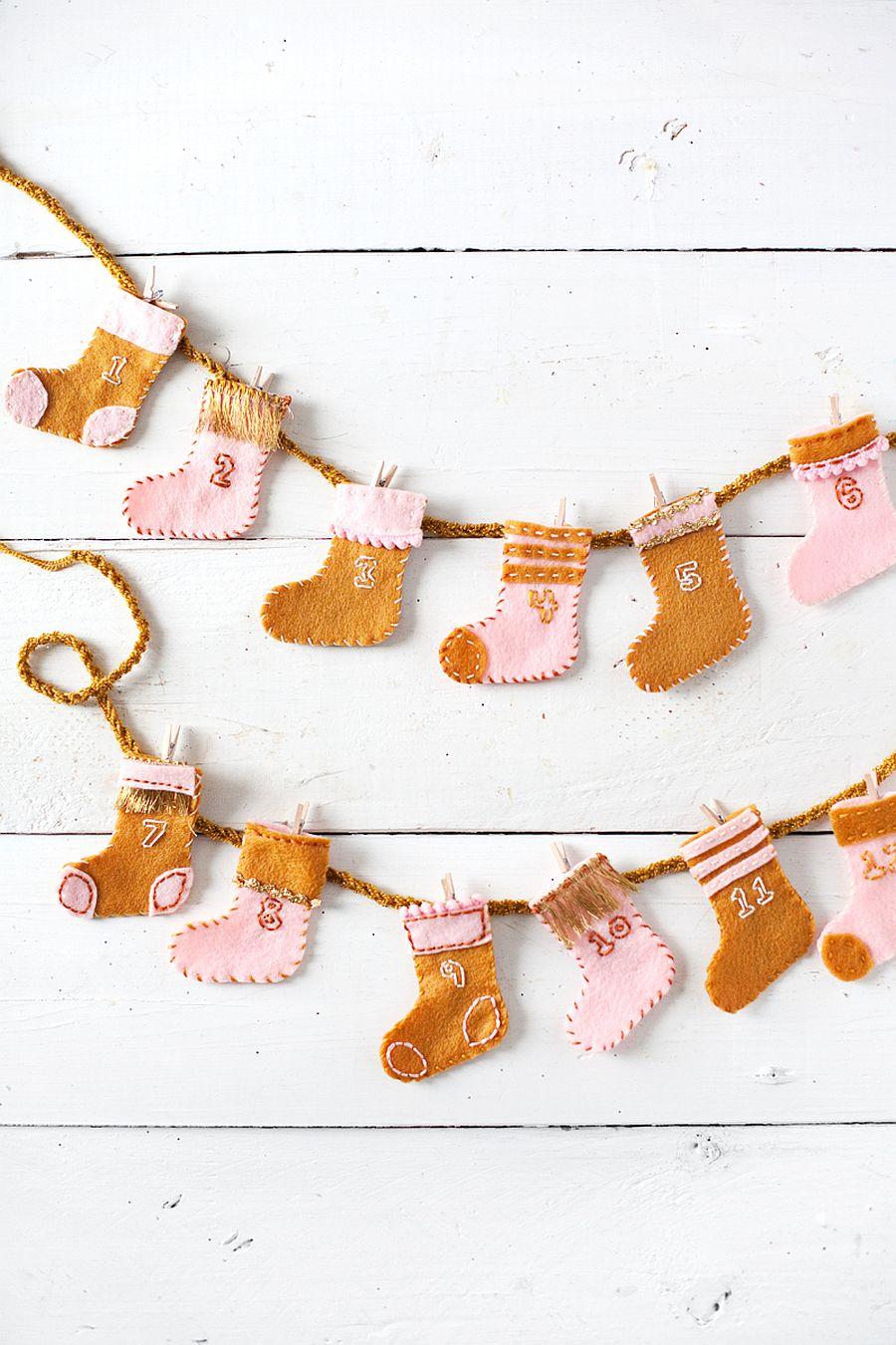 Advent-Stocking-DIY-Garland-for-Christmas