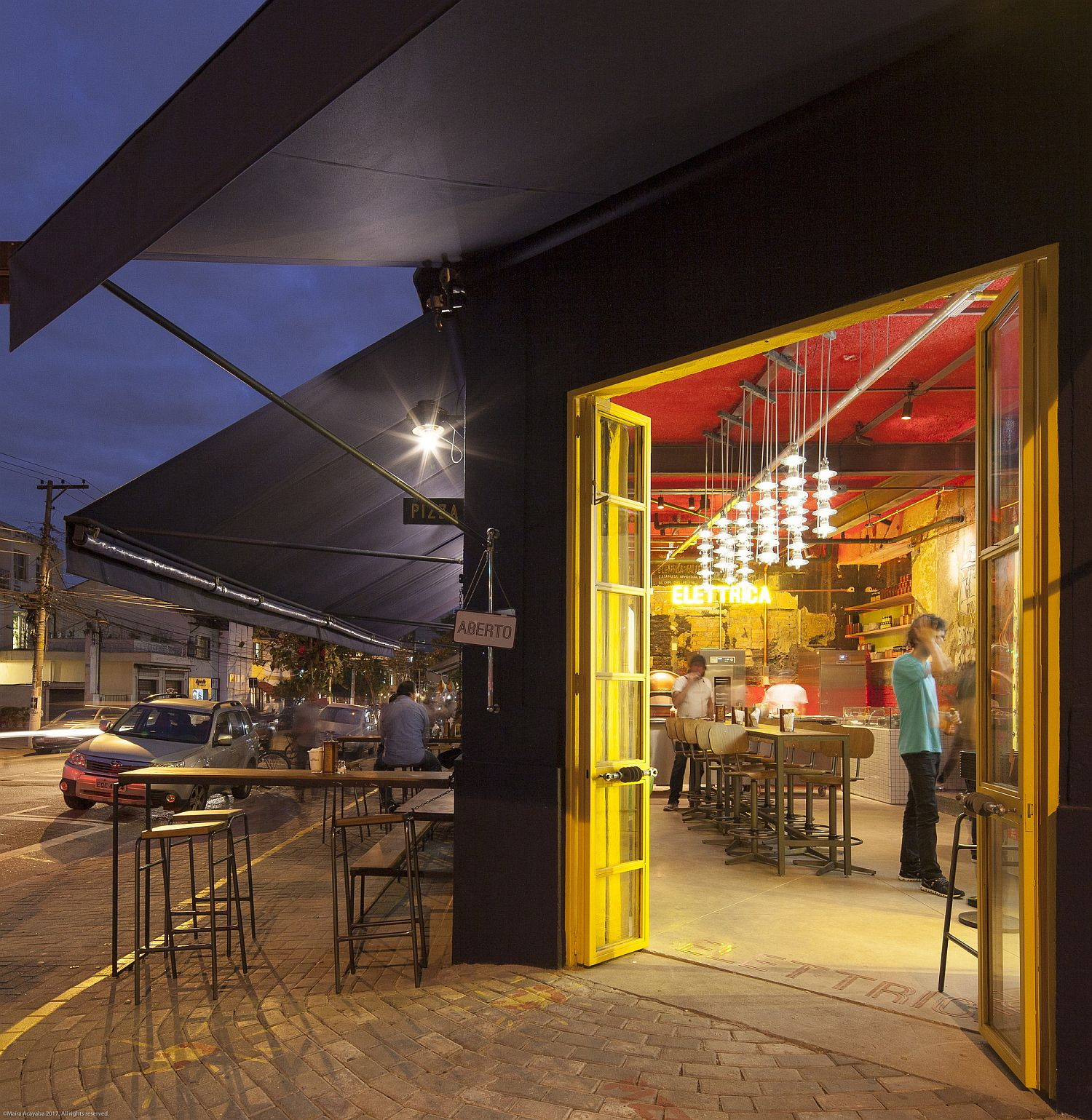 Brilliant-pops-of-yellow-and-red-bring-the-Pizza-Restaurant-alive
