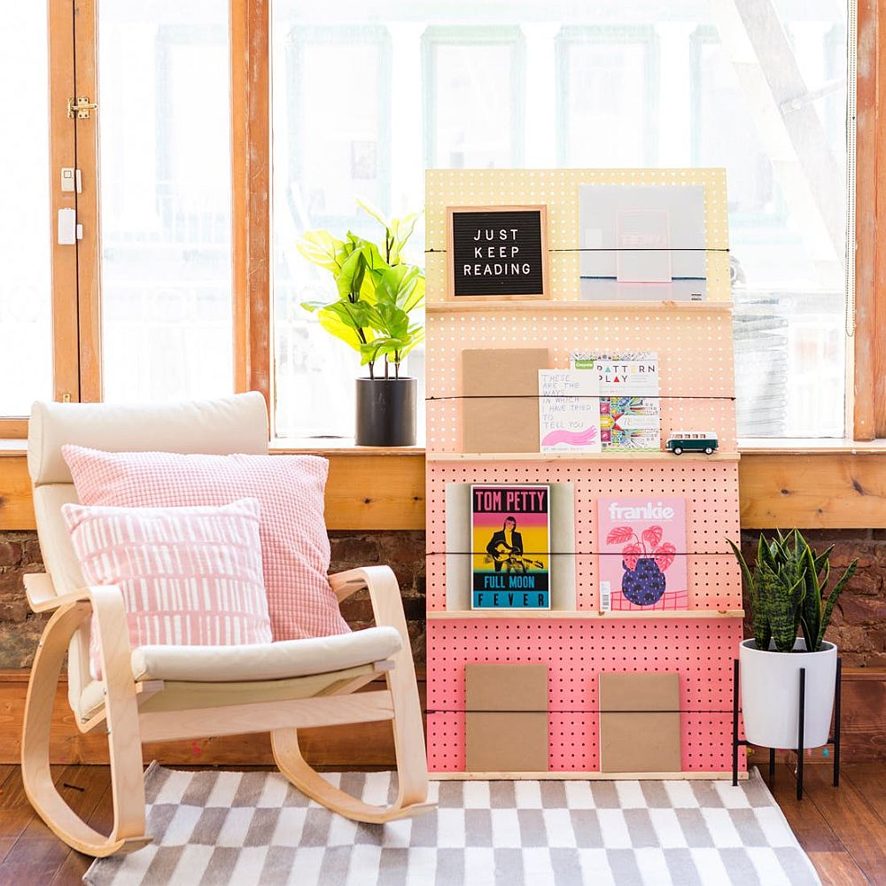 Chic DIY Ombre Bookshelf in Pink