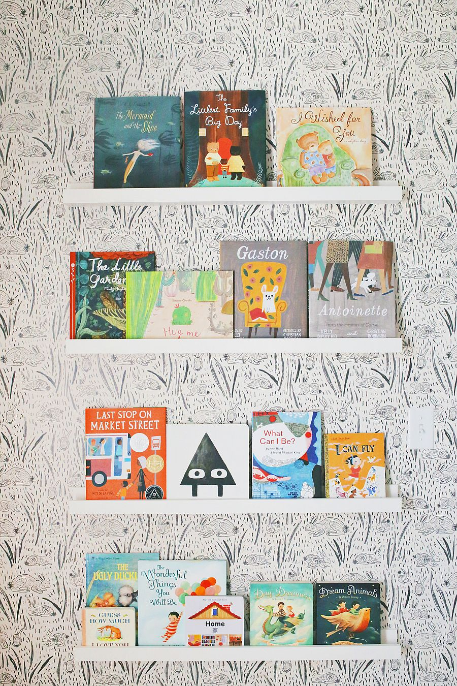 DIY Baby Bookshelves
