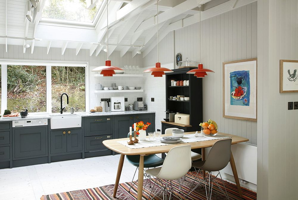 Eat-in Kitchen idea with midcentury and Scandinavian styles rolled into one