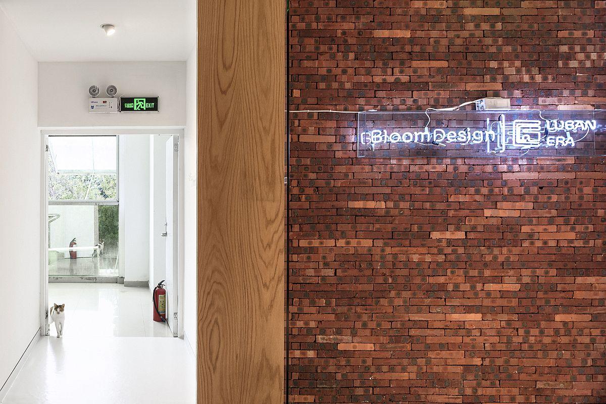 Entrance-to-Bloom-Design-Studio-in-Shenzhen-China