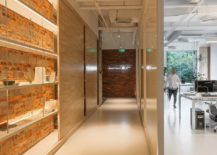 Exposed-brick-wall-idea-for-the-contemporary-office-217x155