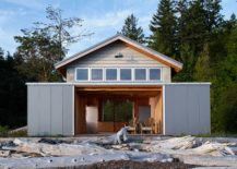 Fabulous-boat-house-can-also-be-used-as-a-relaxing-retreat-217x155