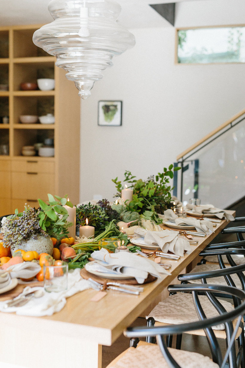 Fresh, modern style on a fall table