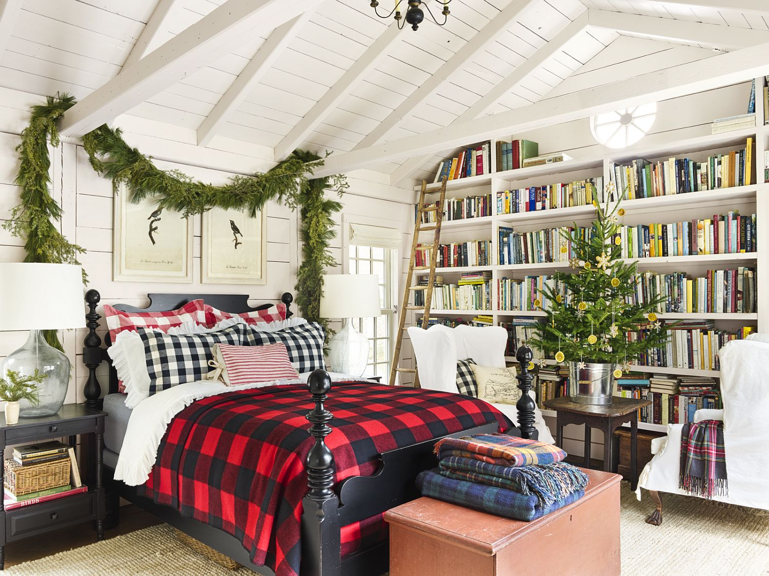 Give-your-bedroom-a-seasonal-makeover-with-a-DIY-Festive-Garland
