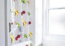Gorgeous-shower-curtain-DIY-Idea-217x155