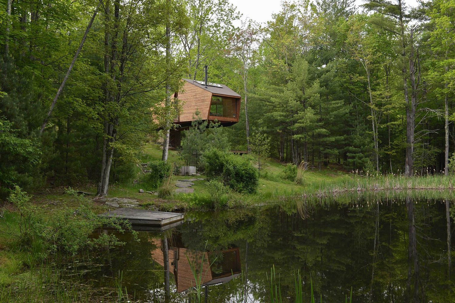 Gorgeous treehouse is just an hour's drive away from the bright lights of New York