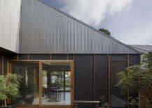 Innovative-and-distorted-roof-design-of-the-home-gives-it-a-unique-look-217x155