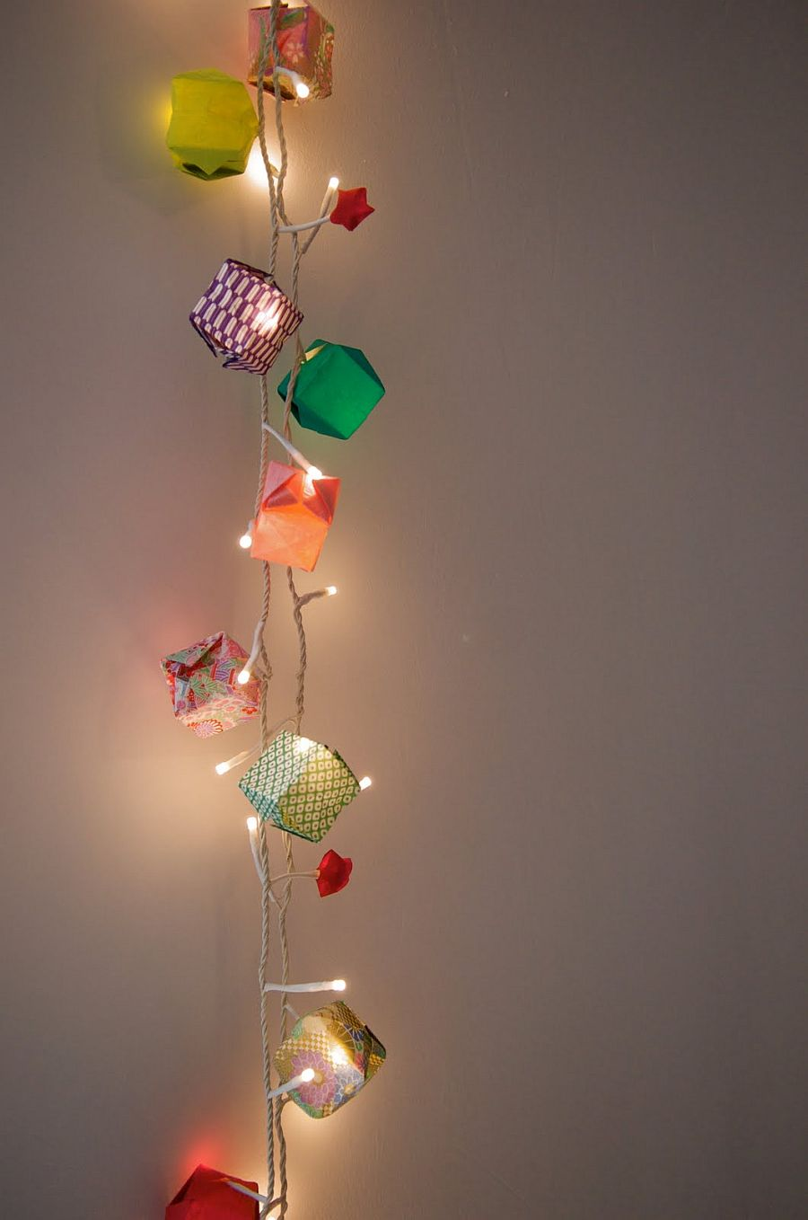 A Season for Stirring Radiance: 15 DIY String Light Crafts for the Holidays