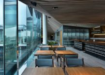 Outer-walls-alternate-glass-surfaces-bring-different-intensities-of-light-217x155