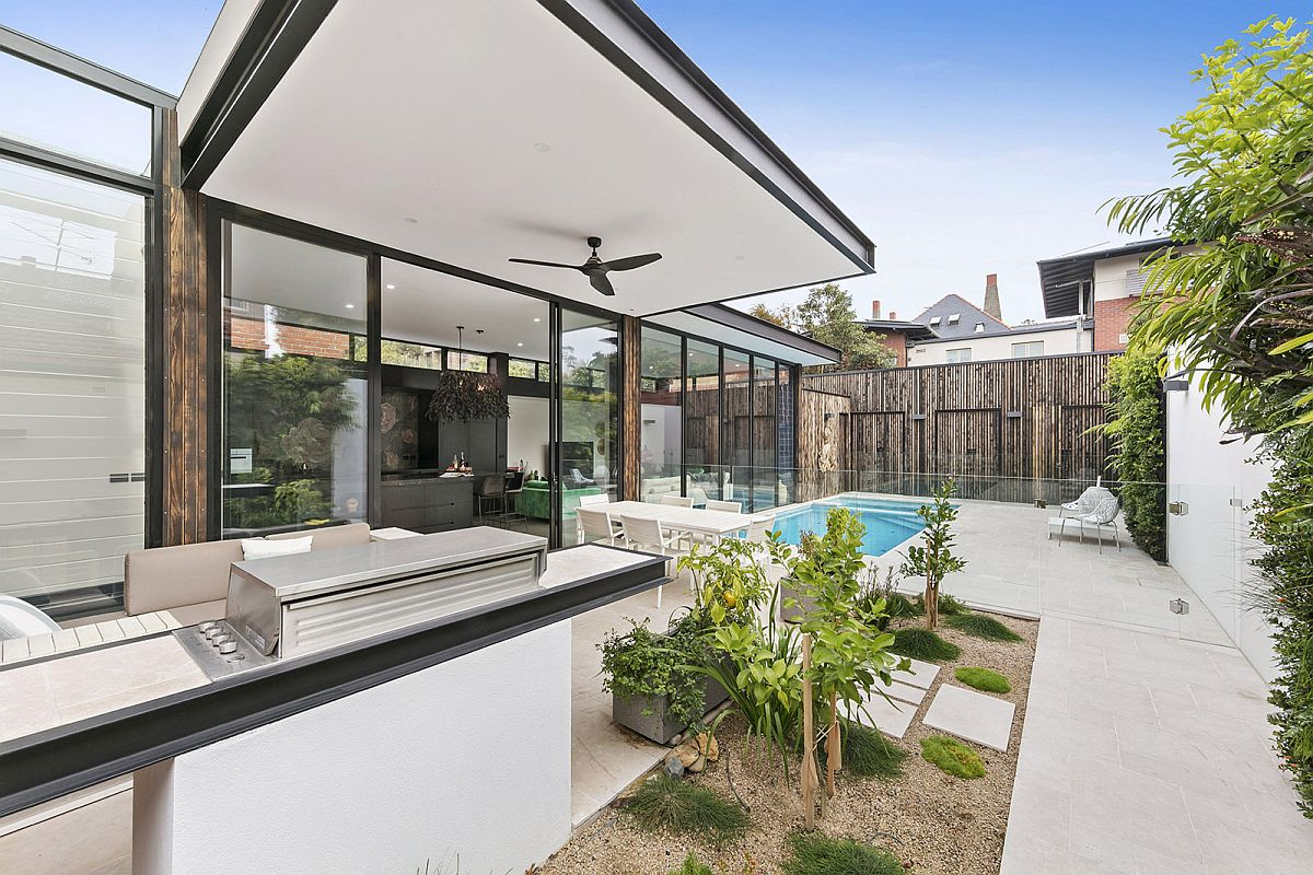 Rear-contemporary-extension-of-the-classic-Aussie-home