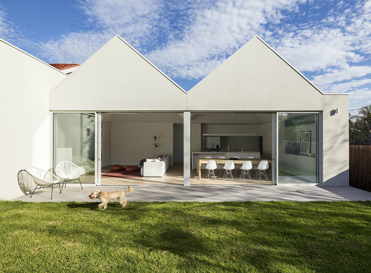 Renovated and extended single-story residence in in Melbourne