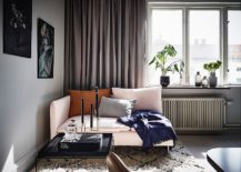 Small-and-stylish-corner-sofa-for-the-tiny-living-room-217x155