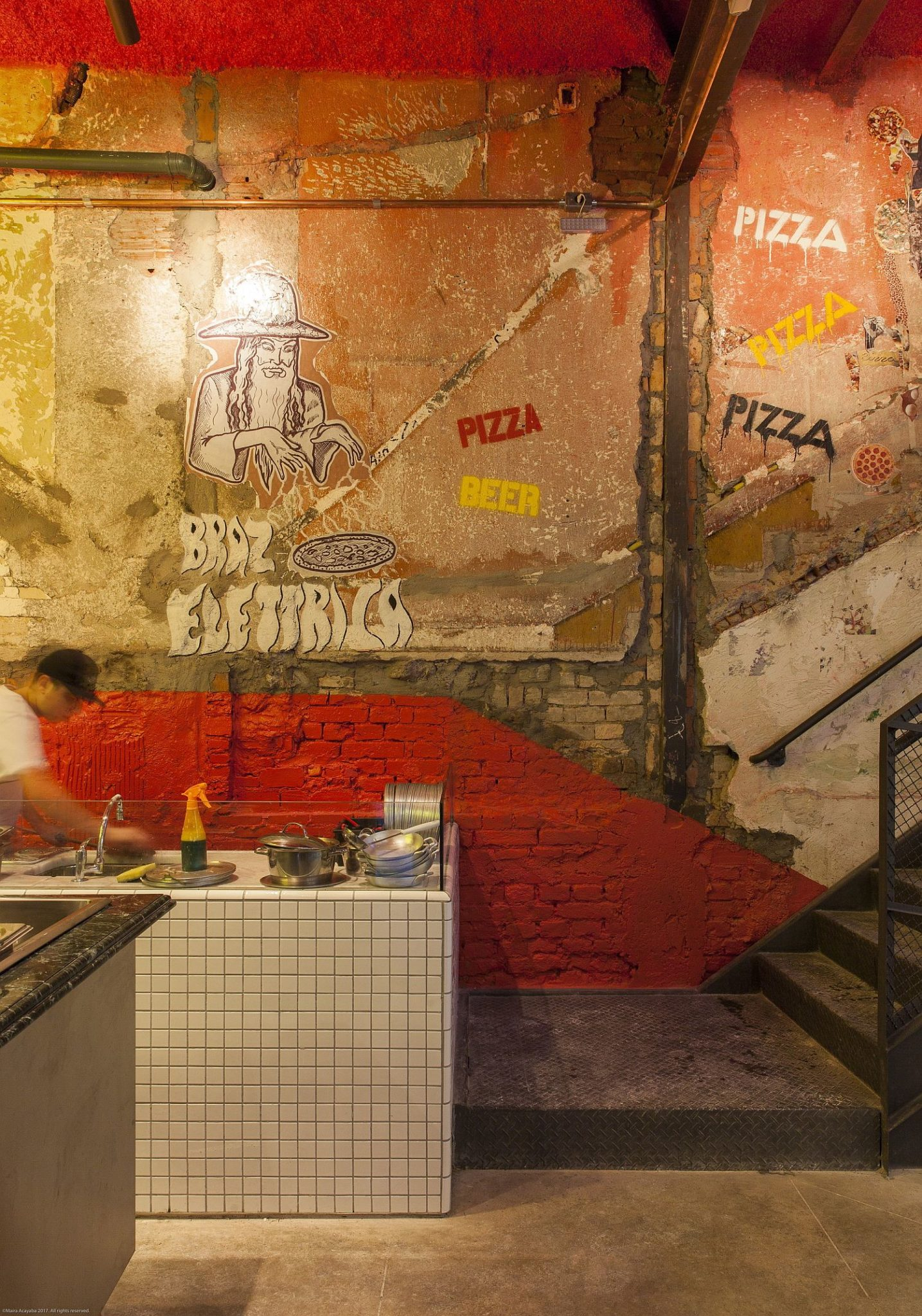 Street-art-inspired-interiors-look-both-hip-and-casual