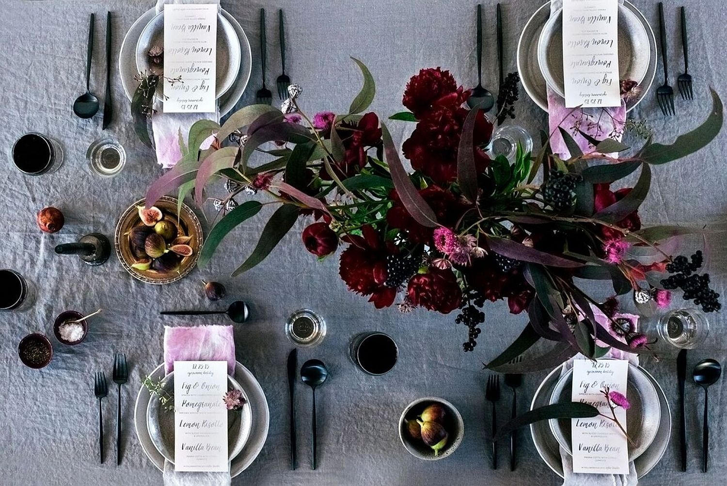 Stunning Thanksgiving table with hints of black