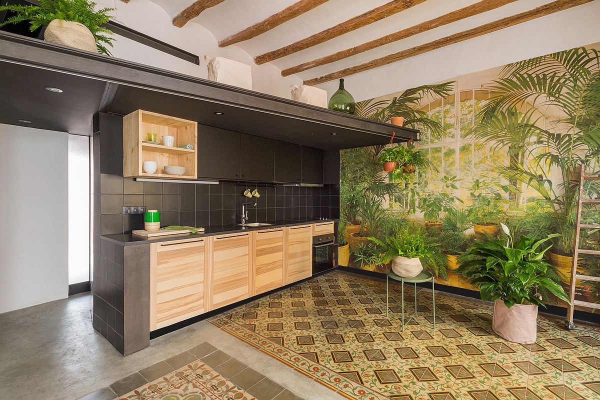 Tropical scenery and greenery bring vibrancy to the kitchen