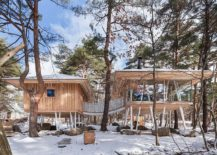 Two-units-of-the-vacation-home-connected-by-a-bridge-217x155