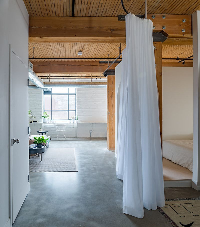 View-of-the-open-plan-living-area-of-downtown-Toronto-loft