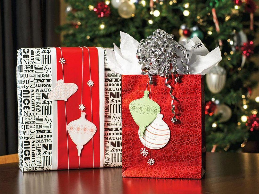 Red Christmas gift box and bag