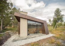 Angled-form-of-the-cabin-gives-it-a-unique-silhouette-217x155