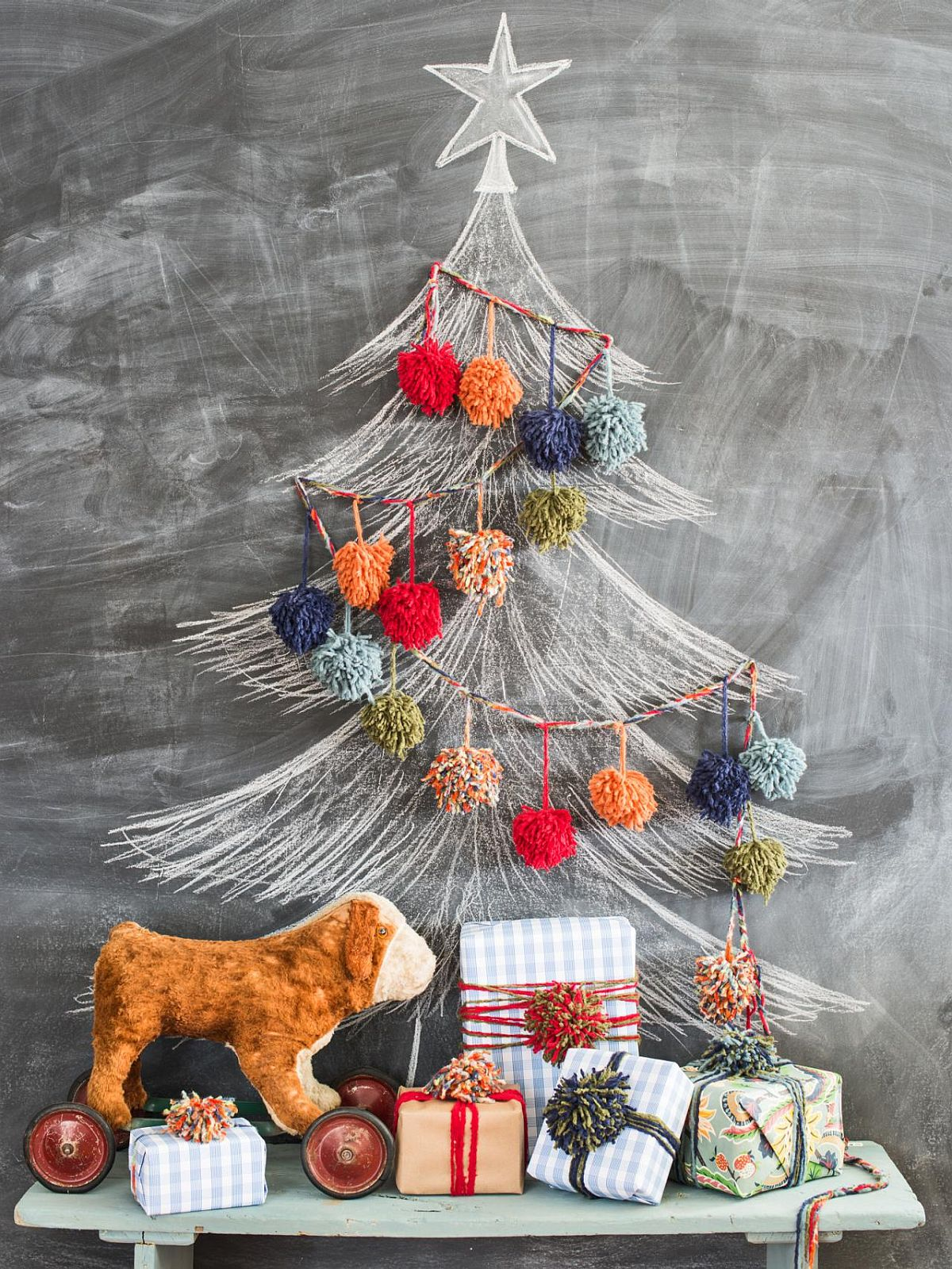 Chalkboard and Pom Pom Christmas tree Idea