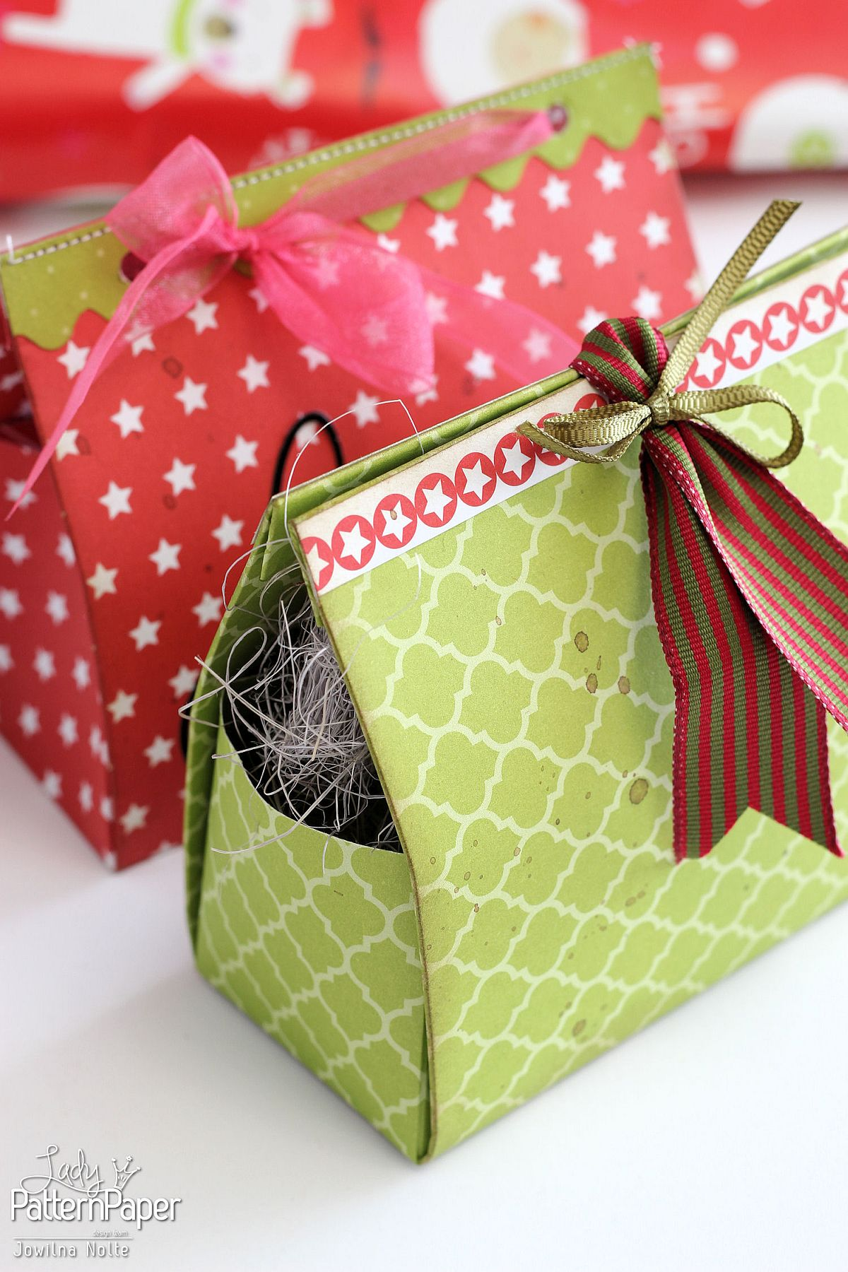 Cheerful and festive Christmas DIY Gift Boxes