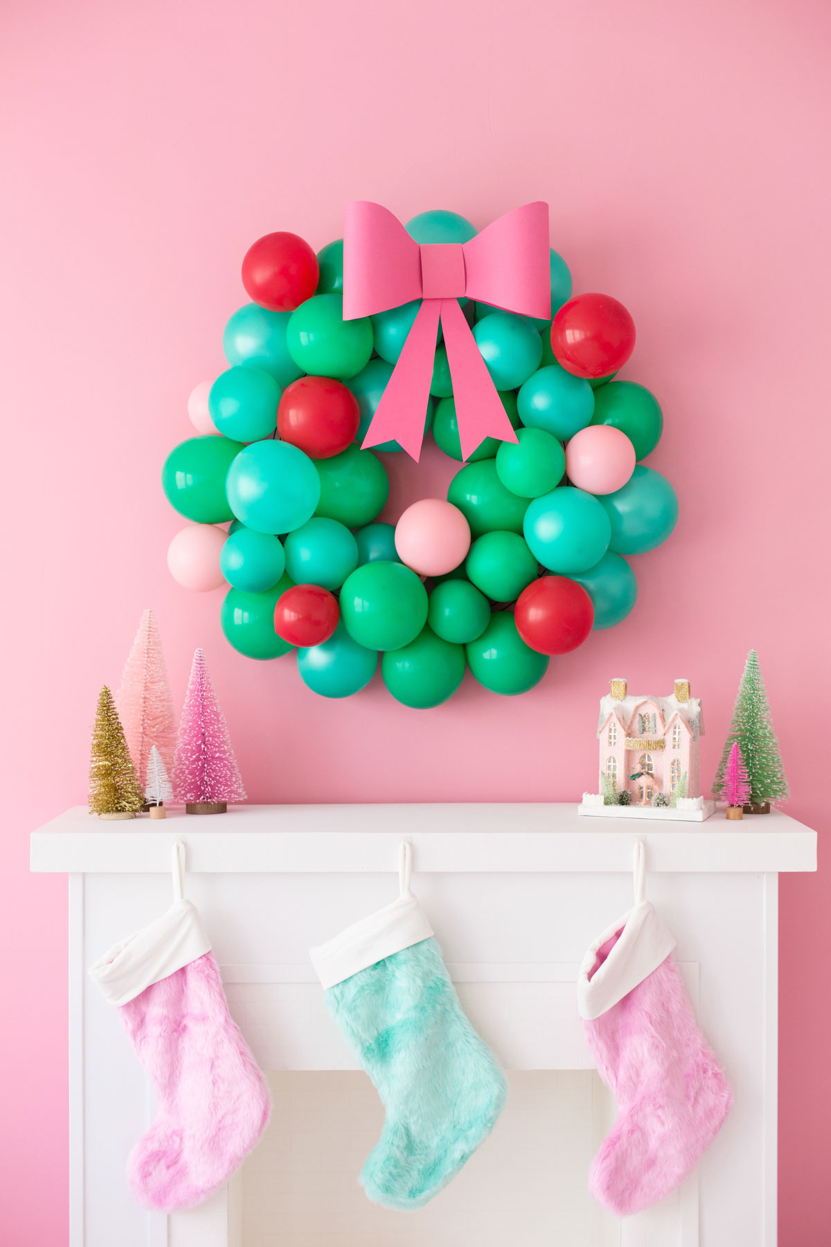 Christmas balloon wreath