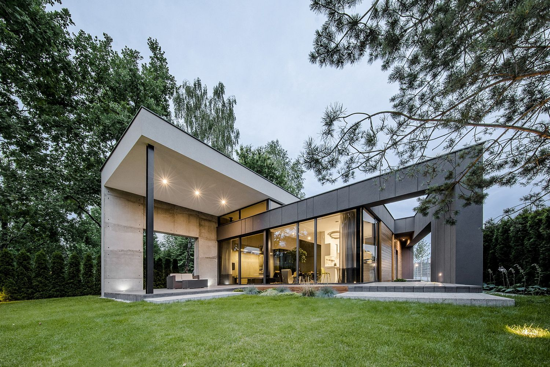 Contemporary one and half level modern home in Czarnów, Poland