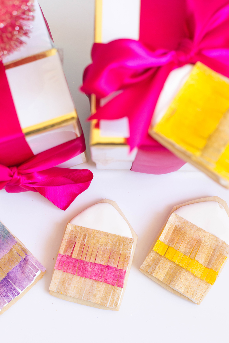 Cookie gift tags with golden accents