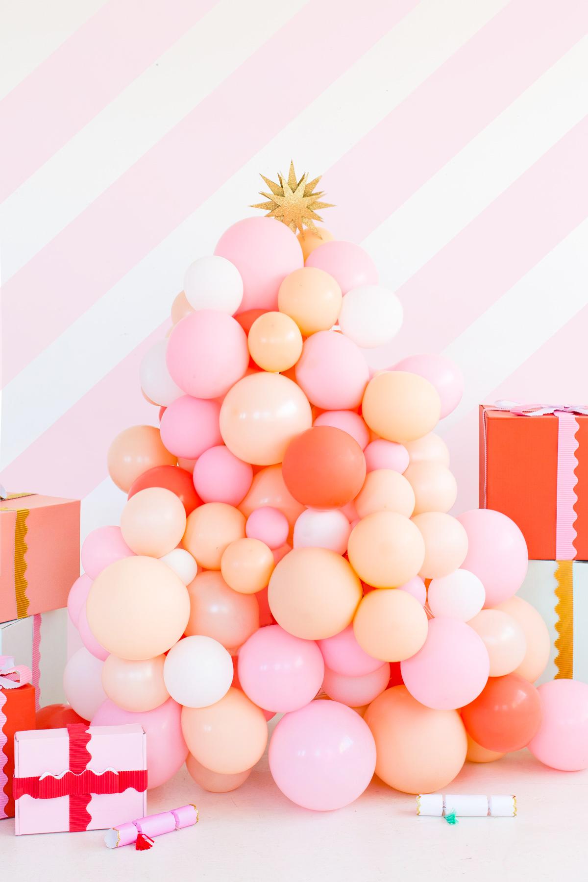 DIY balloon Christmas tree